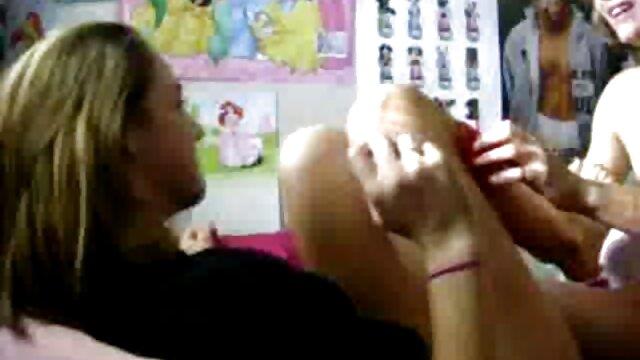 Daugherswap-Adolescentes tórrido a perfurar pais durante quero ver vídeo de pornô ao vivo a erva de Mardis